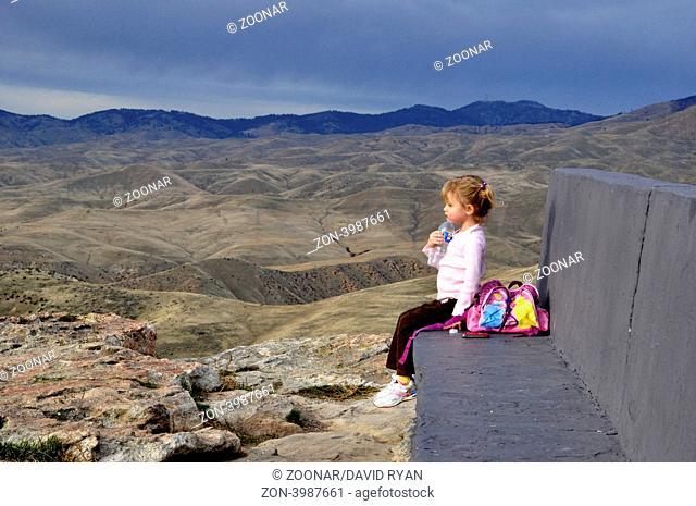 USA, Idaho, Boise, Little girl on top of Table Rock Butte