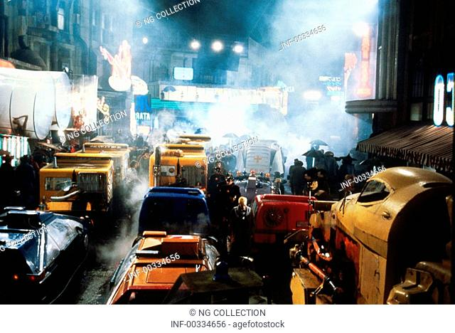 movie, Blade Runner, USA 1982, director: Ridley Scott, scene, Science Fiction, sci-fi, cars, automobiles, traffic gym, chaos, smoke, dark, night