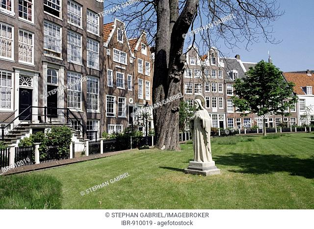 Begijnhof Courtyard, grachten houses, Spui Square, Centrum, Amsterdam, Netherlands, Europe