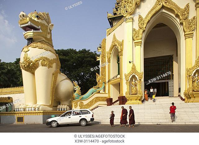 West gate, Shwedagon pagoda, Yangon, Myanmar, Asia