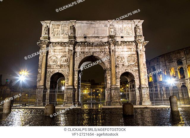 Europe, Italy, Lazio, Rome. Arch of Costantine by night