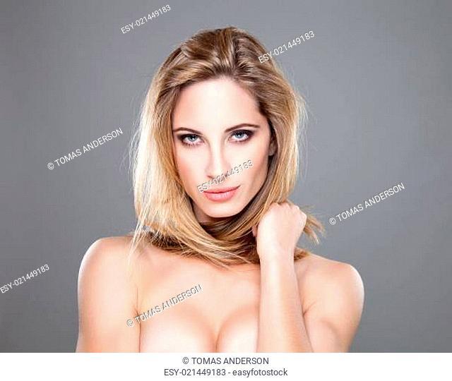 Portrait of an yough beautiful woman