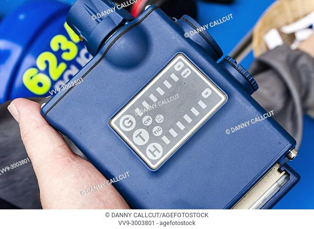 Lightweight Chemical Detector used by Thames Valley Police. the model is a Smith's LCD 3. 2E. Principally used as a compact detector