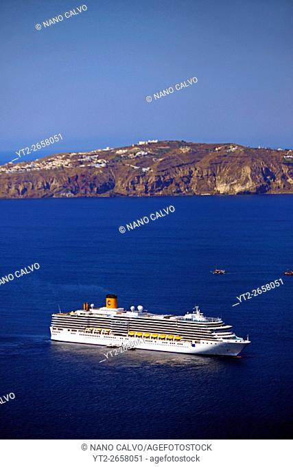 Views of sea and cruise ships from Santorini