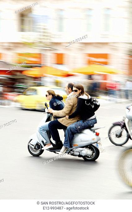 Greece, Athens, shopping street, Ermou, Syndagma square