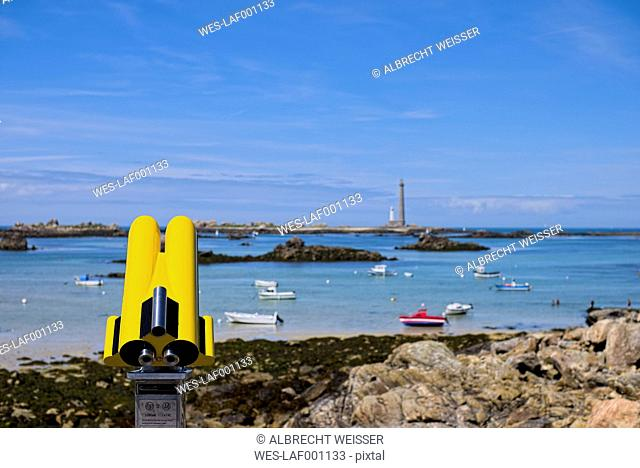 France, Brittany, Department Finistere, Landeda, Atlantic Coast near Plouguerneau, Lighthouses on Ile Vierge, Telescope in the foreground