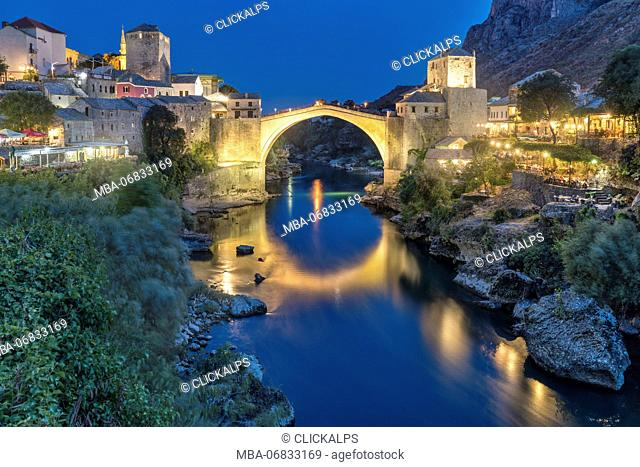 Old Bridge (Stari Most) and Neretva river at dusk, Mostar, Bosnia and Herzegovina