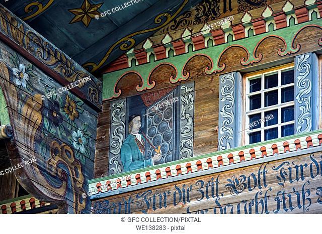 Ornate Simmental farmhouse, Manihaus, farm house Argel, Zur Obern, Därstetten, Simmental valley, canton of Bern, Switzerland