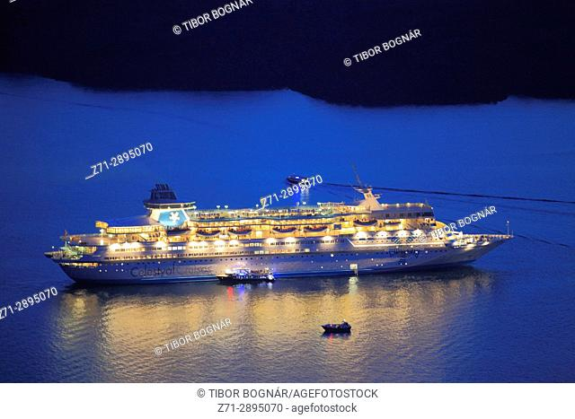 Greece, Cyclades, Santorini, cruise ship, night