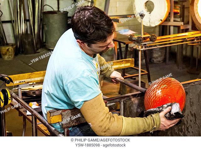 Glassmaker Allister Malcolm working at Bradford House Glass Museum, Dudley