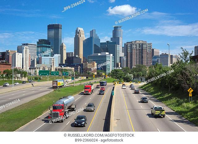 Interstate 35w Downtown Skyline Minneapolis Minnesota Usa