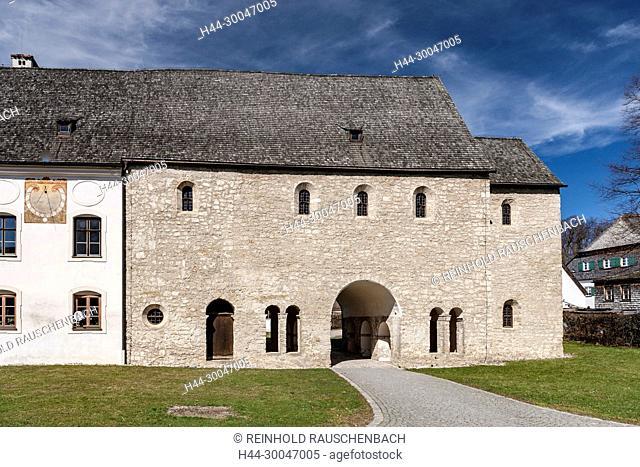 Karolingische Torhalle aus der Frühzeit des Klosters, welche auf das Jahr 850 datiert wird