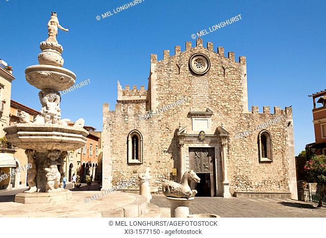 Taormina Cathedral, Cathedral of San Nicolo, and baroque fountain, Piazza Del Duomo, Taormina, Sicily, Italy