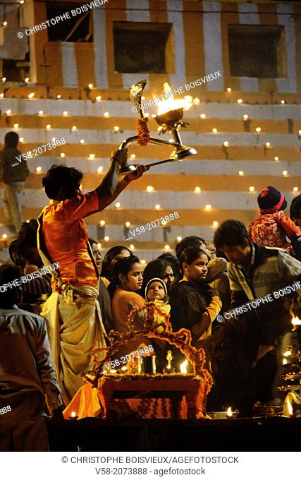 India, Uttar Pradesh, Varanasi, Dev Deepawali festival, Aarti, Offering of light to the Ganges