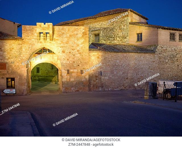 Medieval arch, Ayllón. Conjunto histórico artístico. Segovia province. Castile-Leon. Spain