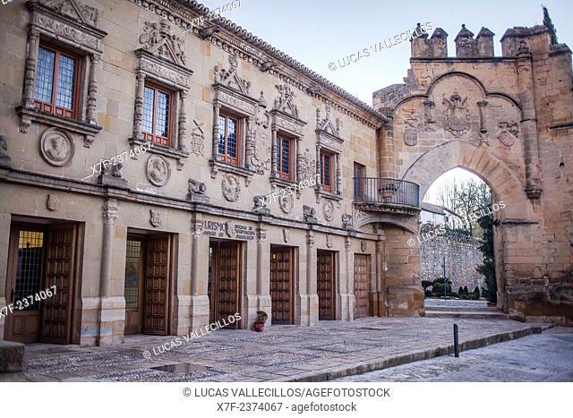 Audiencia Civil y Escribanías públicas and Puerta de Jaen y Arco de Villalar,in Plaza del Populo o de los leones, Baeza. Jaén province, Andalusia, Spain