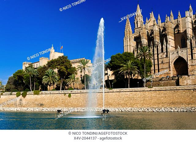 Cathedral of Santa Maria of Palma, more commonly referred to as La Seu, Palma de Mallorca, Majorca, Balearic Islands, Spain
