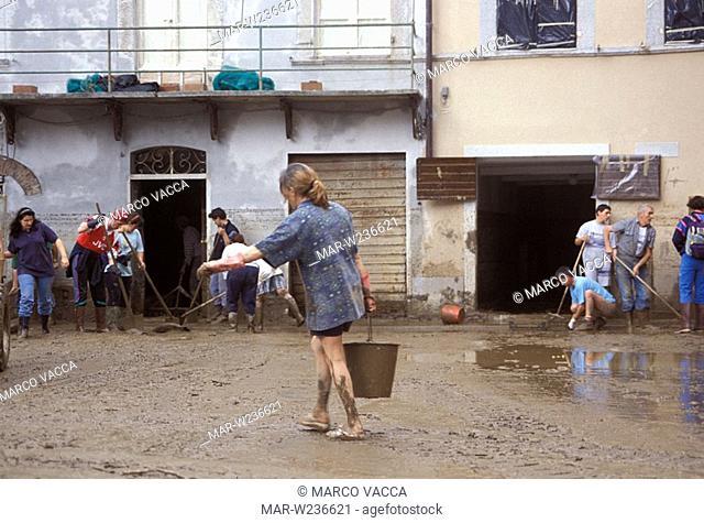 italy, tuscany, seravezza, flood, 1996