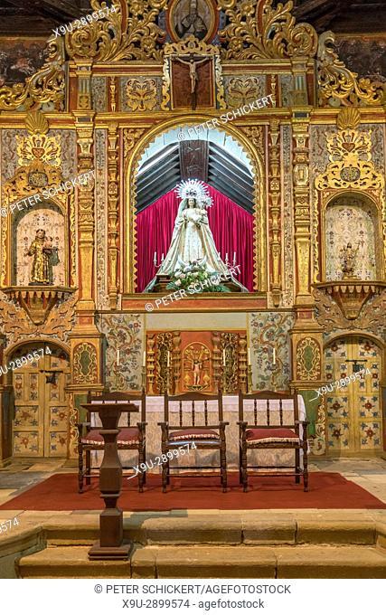 Altar und Madonna in der Kirche Ermita Nuestra Senora de Regla, Pajara, Fuerteventura, Kanarische Inseln, Spanien | altar and madonna