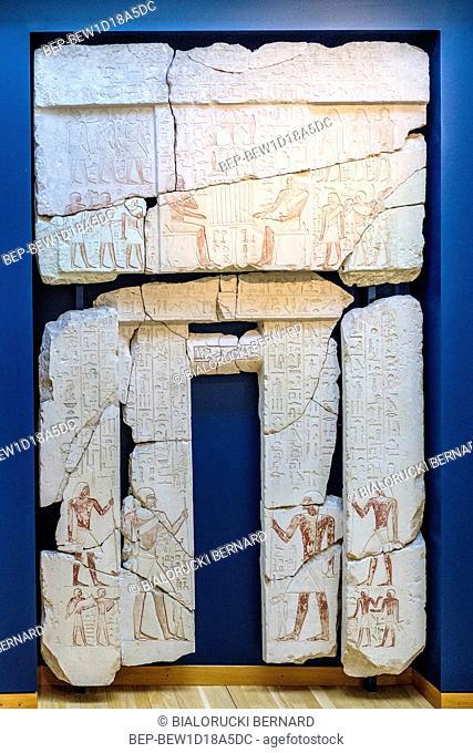 Dania - region Zealand - Kopenhaga - muzeum sztuki starozytnej Gliptoteka - sala wystawowa poswiecona eksponatom ze starożytnego Egiptu - portal z pismem...