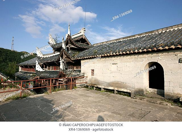 Wulong Monastery, Tiantai mountain, Tianlong Tumpu, Guizhou, China