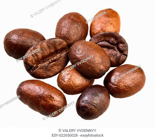 many roasted coffee beans