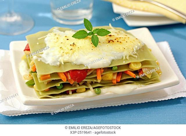 Lasagna with vegetables and pineapple