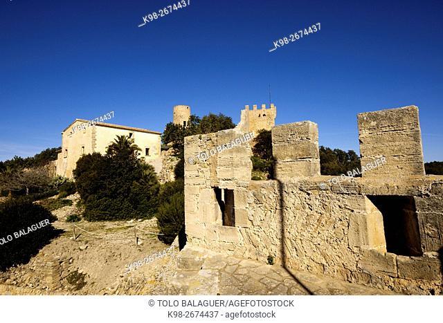 Castillo de Capdepera (s. XII-XIV) Torre Miquel Nunis. Mallorca. Baleares. España