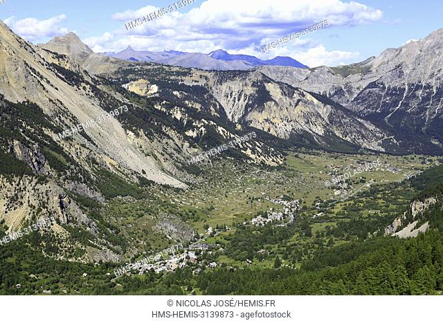 France, Hautes Alpes, Nevache Valley, Claree valley, general view over the valley