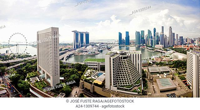 Singapore City, Singapore Flyer , Hotel Marina Bay and Down Town Skyline