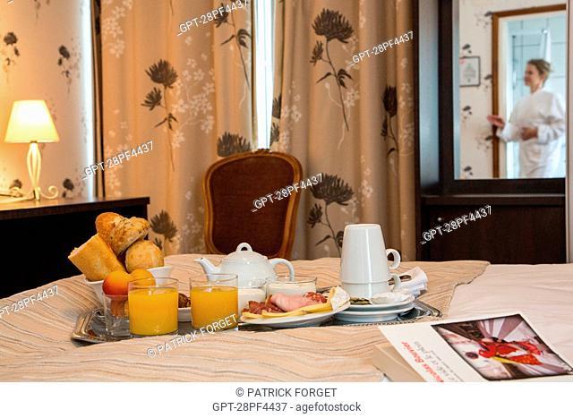 HOTEL RESTAURANT DE LA FORET, SENoNCHES, EURE-ET-LOIR 28, FRANCE
