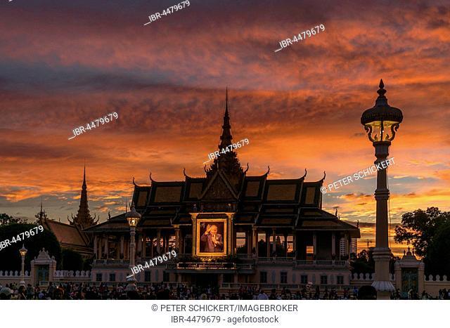 Moonlight Pavilion of the Royal Palace with portrait of King Norodom Sihanouk, sunset, dusk, Phnom Penh Province, Cambodia