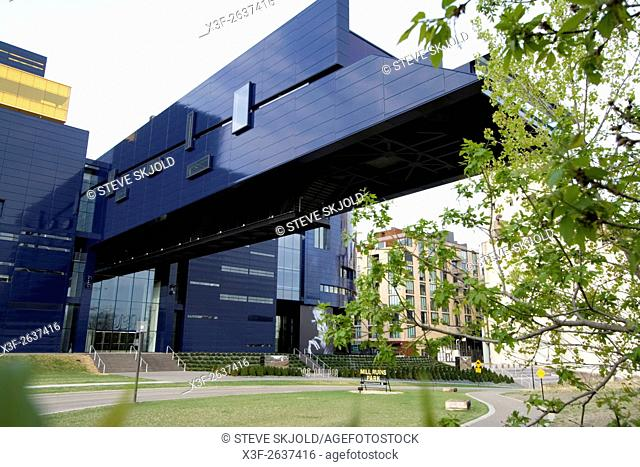 Cantilevered lobby or Endless Bridge of Guthrie Theater over West River Parkway and Mill Ruins Park. Minneapolis Minnesota USA