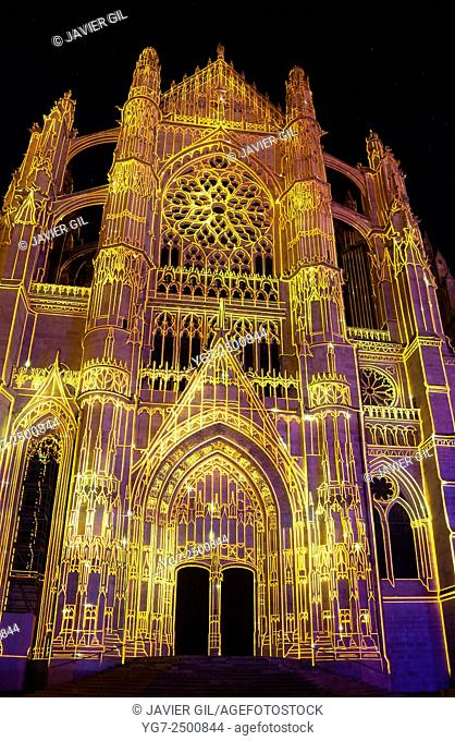 """""""""""La Cathédrale Infinie"""" spectacle in the cathedral of Beaubais, Oise, Picardie, France"