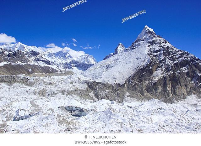 Chumbu, Mount Everest, Nuptse, Kangchung (east and west), in front Ngozumba glacier, view from 5th lake near Gokyo, Nepal, Himalaya, Khumbu Himal