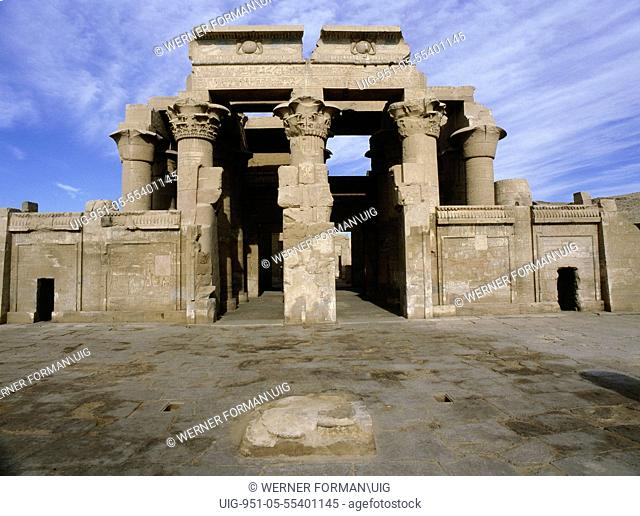 View of the double temple, dedicated to the gods Sebek and Haroeris 'Horus the Elder' at Kom Ombo