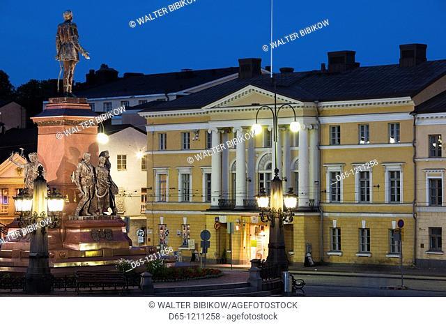 Finland, Helsinki, Senate Square, Senaatintori, evening