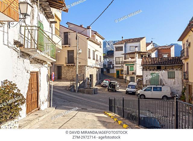 Calle típica. Mombeltrán. Barranco de las cinco villas. Valle del Tiétar. Provincia de Ávila, Castile-Leon, Spain