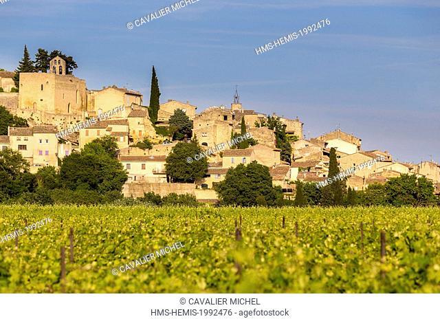 France, Vaucluse, Parc Naturel Regional du Luberon (Natural Regional Park of Luberon), Ansouis, labelled Les Plus Beaux Villages de France (The Most Beautiful...