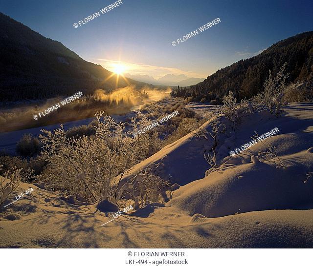 River Isar and Winter landscape near Vorderriss at sunrise, Werdenfelser Land, Garmisch-Partenkirchen, Oberbayern, Bavaria, Germany