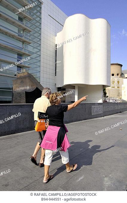 MACBA, Museum of Contemporary Art (1987-95, by Richard Meier), Plaça dels Angels, Barcelona, Catalonia, Spain