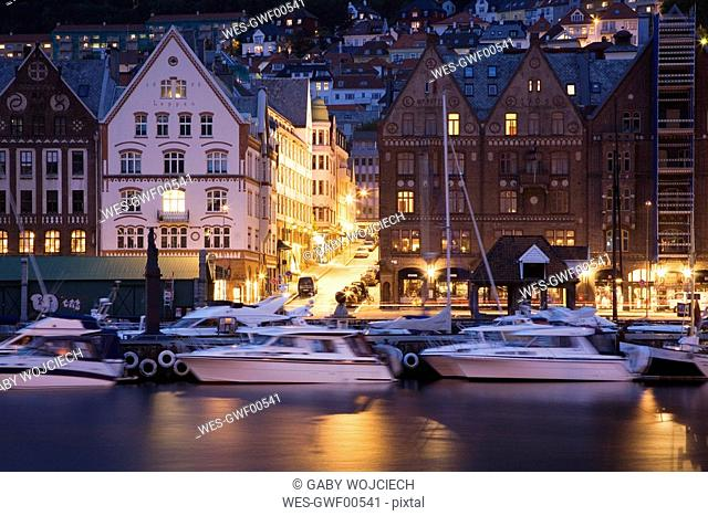 Norway, Bergen, Old Town, harbour at night