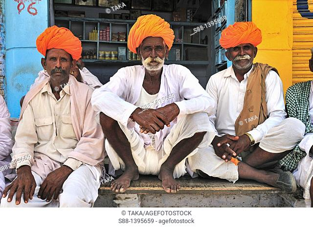 Rajasthan men with traditional turban at the tea shop
