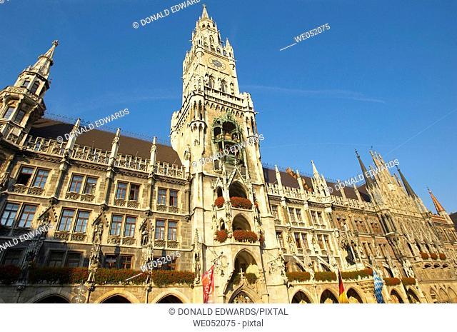 New Town Hall, Glockenspiel, Marienplatz, Munich, Bavaria, Germa