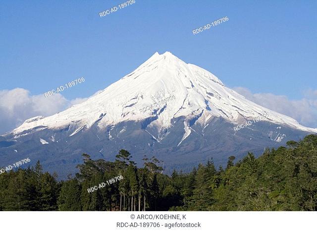 Volcano Taranaki, Mount Egmont, North Island, New Zealand