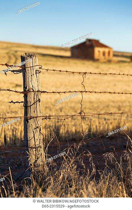Australia, South Australia, Burra, former copper mining town, abandoned homestead