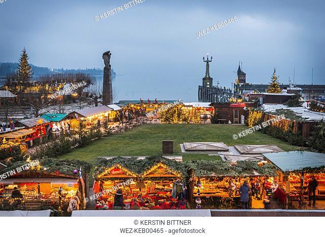 Germany, Baden-Wuerttemberg, Constance, Christmas market at lakeshore