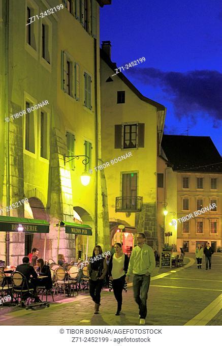 France, Rhône-Alpes, Annecy, street scene, night, people