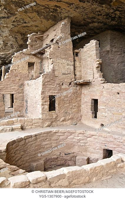 Spruce Tree House, a cliff dwelling of the Ancestral Puebloans American Indians, about 1250 years old, Mesa Verde National Park, UNESCO World Heritage Site