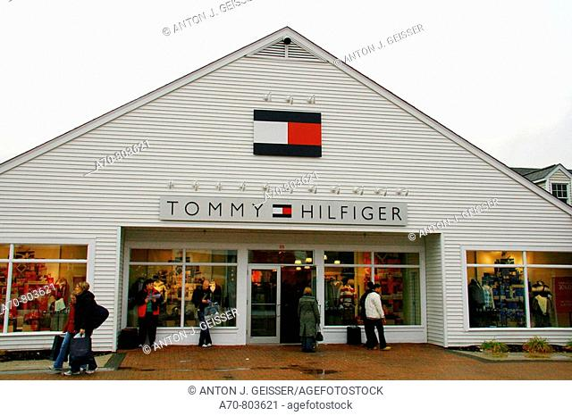 USA, New York, Central Valley, Tommy Hilfiger shop at Woodbury Common Premium Outlets